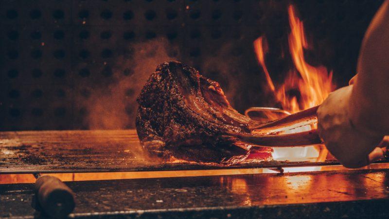 タンパク質豊富な肉